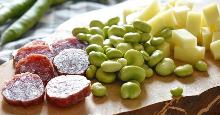 antipasto di fave, pecorino e salame