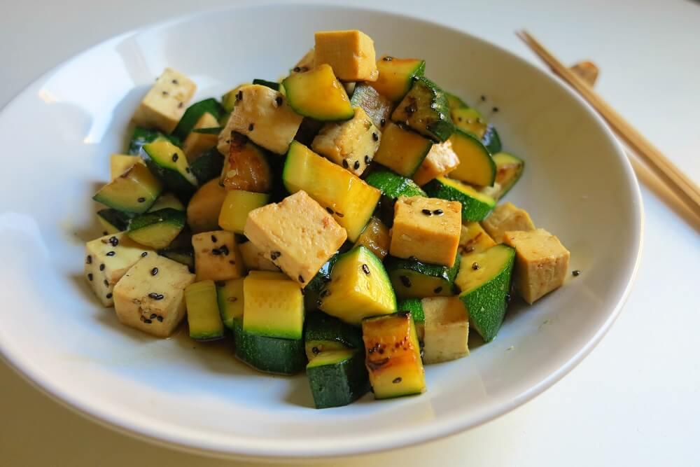 tofu e zucchine in salsa teriyaki