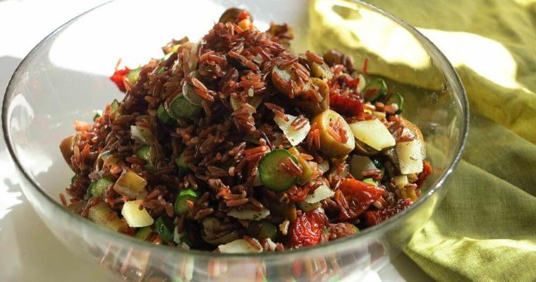 insalata di riso rosso, zucchine e melanzane