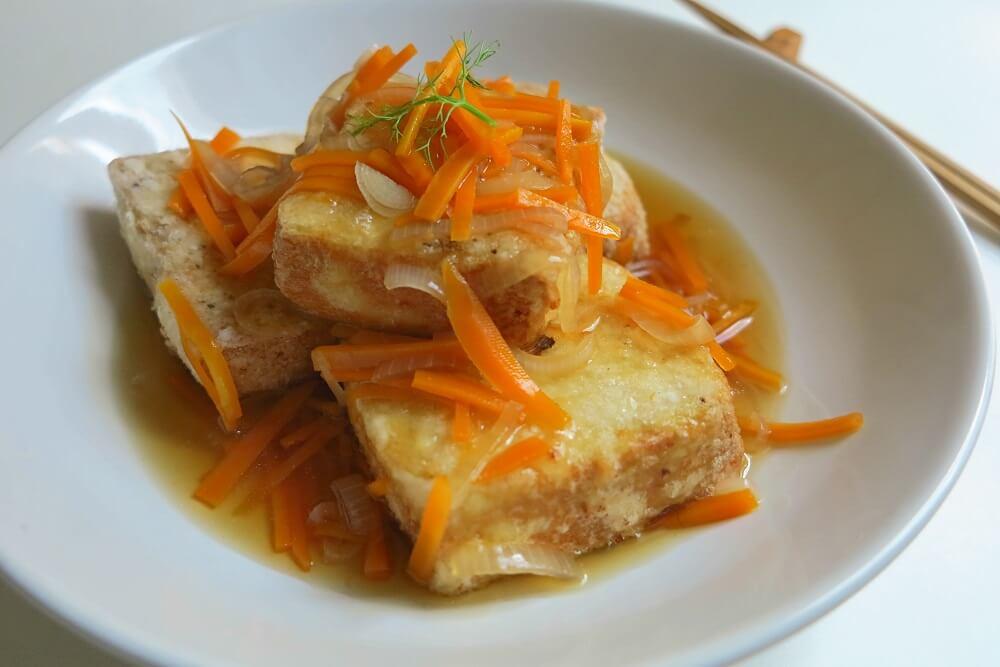 agedashi dofu (tofu in salsa dashi)