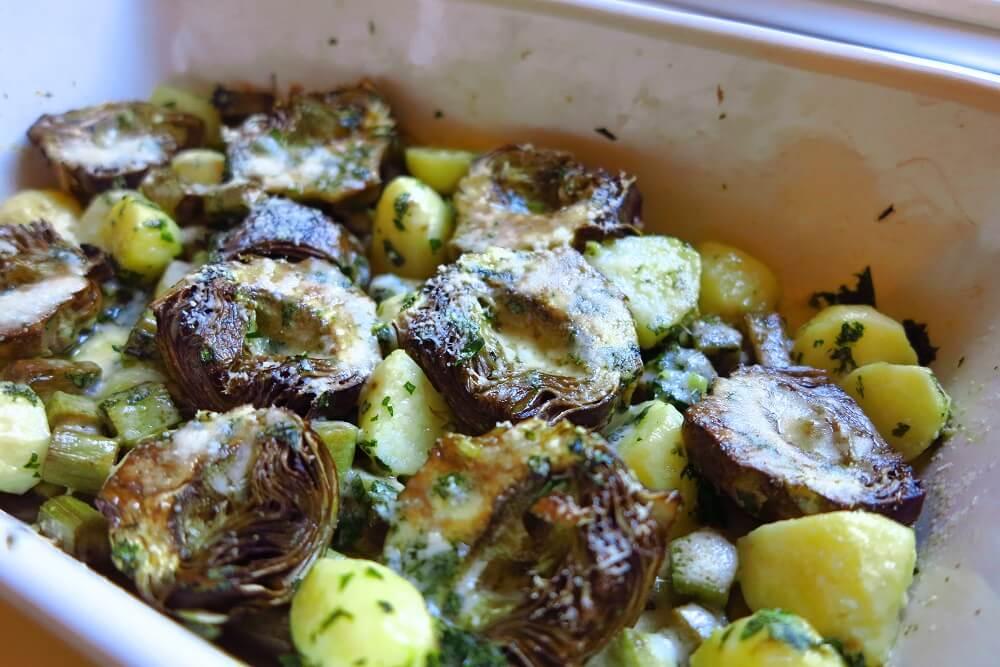 carciofi al forno con patate e pecorino