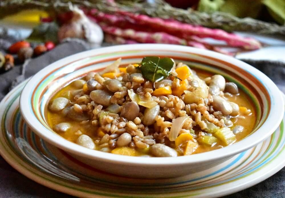 ファッロとうずら豆のスープ
