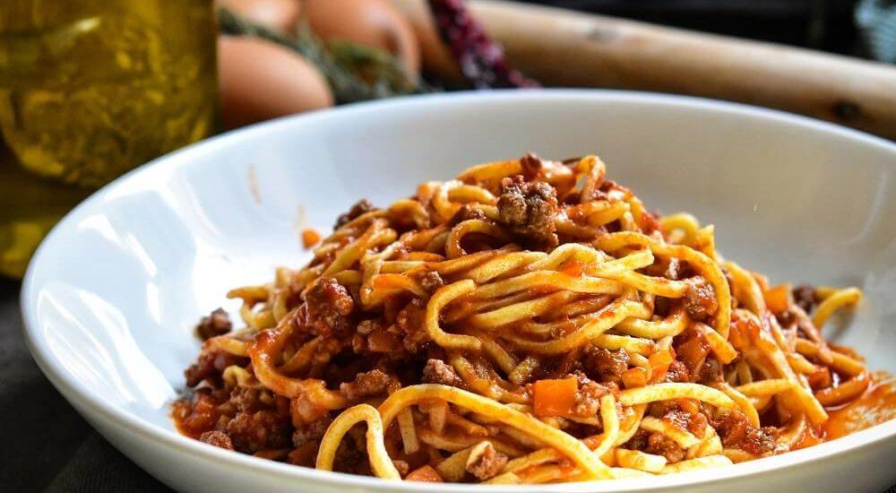 spaghetti alla chitarra fatti in casa (ricetta abruzzese)