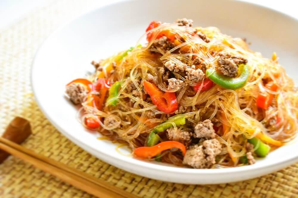 japchae (carne e verdure saltate alla coreana)