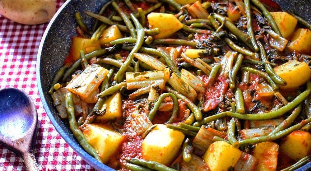 minestra di bietole, fagiolini e patate (piatto tradizionale abruzzese)