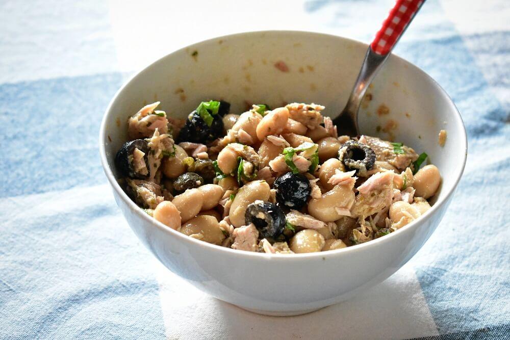 ツナ缶(鯖缶)と白インゲン豆の簡単サラダ