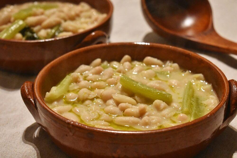 zuppa di fagioli cannellini e sedano