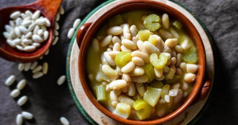カンネリーニ(白インゲン豆)とセロリのミネストラ