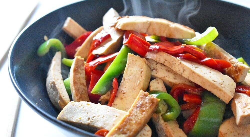 tofu saltato con peperoni