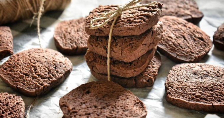 biscotti al cacao (facili e veloci)