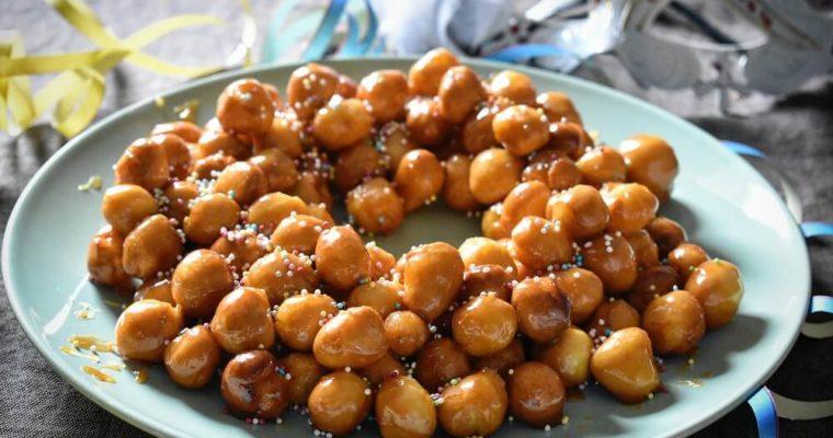 cicerchiata di carnevale (dolce tradizionale abruzzese)