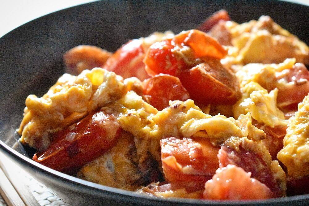 卵とトマトのさっぱり酢醤油炒め