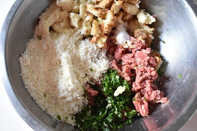 seppie ripiene di carne コウイカのリピエノ(肉詰め)
