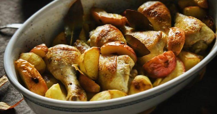 鶏肉とリンゴのワイン焼き