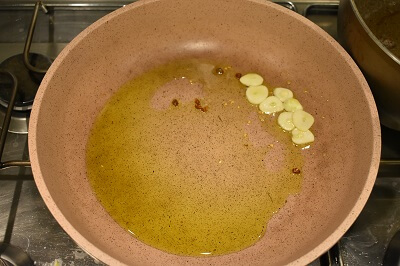 polpo saltato con polenta bianca タコのガーリック炒めと白ポレンタ