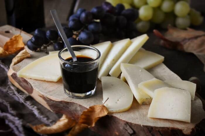 モストコットとチーズ formaggi e mosto cotto