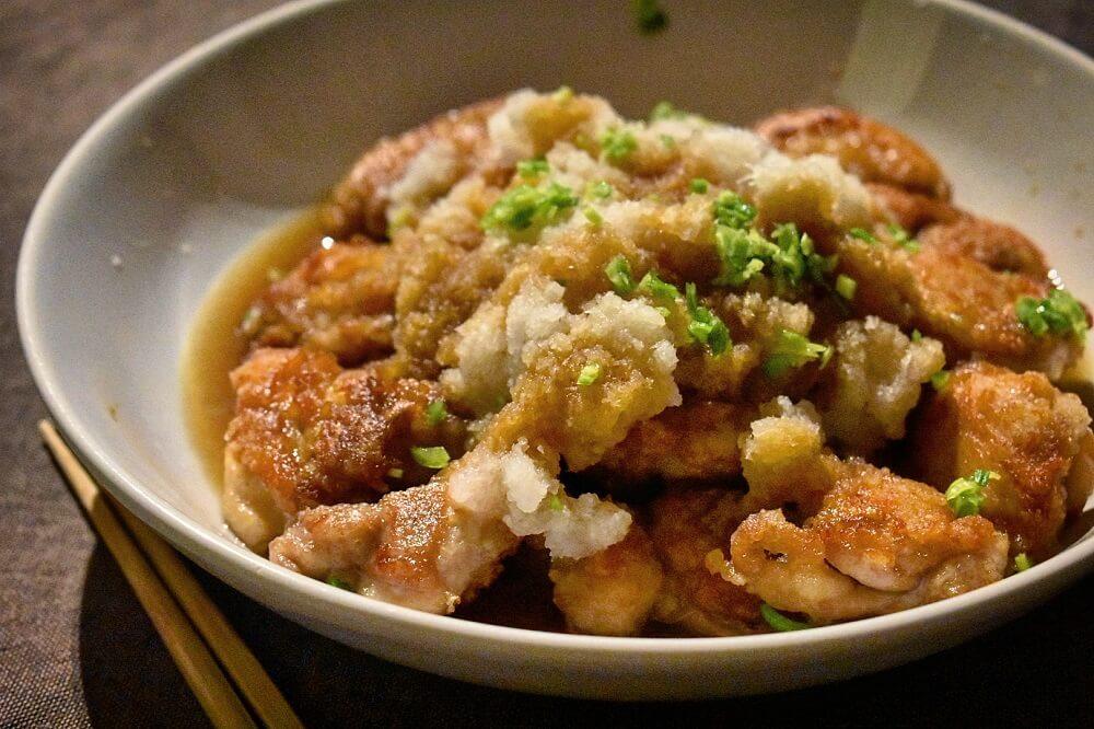 pollo alla giapponese con daikon e ponzu 鶏のから揚げ 大根おろしポン酢