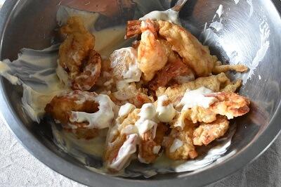 ebimayo gamberi fritto con la salsa di maionese