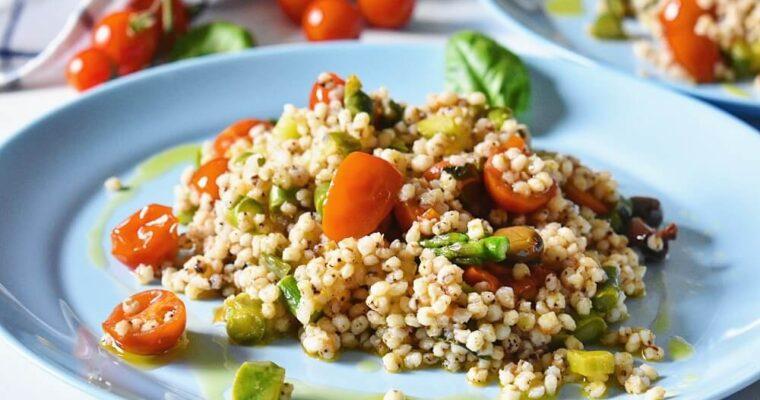 insalata di sorgo asparagi e pomodorini