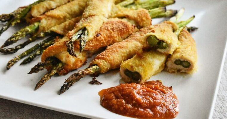 involtini di pollo e asparagi con salsa di miso e pomodoro