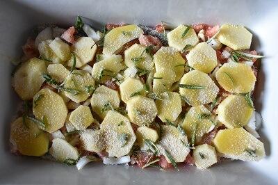 イワシとトマトのヴェルナッツァ風オーブン焼き sardine, patate e pomodoro al forno, tegame di vernazza